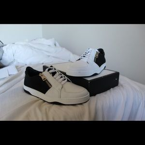 Men's Size 8.5 GUCCI Leather Sneakers